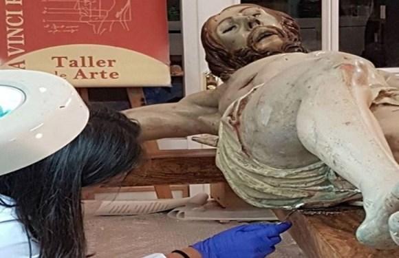 """""""Cápsula do tempo"""" é encontrada em estátua de Jesus na Espanha"""