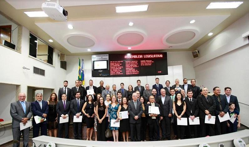 Peritos de Rondônia recebem homenagem em sessão solene