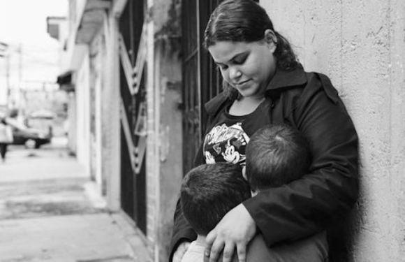 Grávida que teve pedido para interromper gestação negado pelo Supremo faz aborto na Colômbia