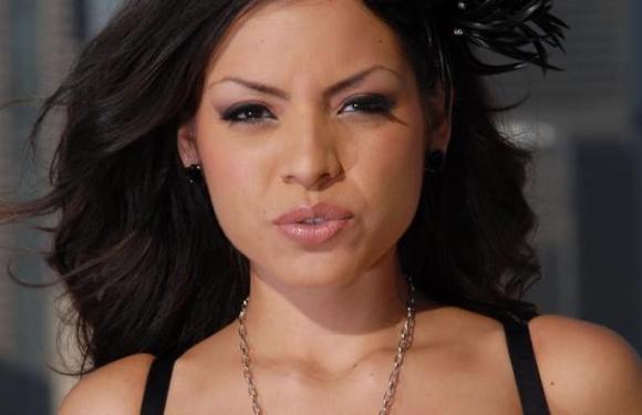 Atriz pornô Yuri Luv é encontrada morta em apartamento; é a segunda morte de atriz do gênero em 10 dias