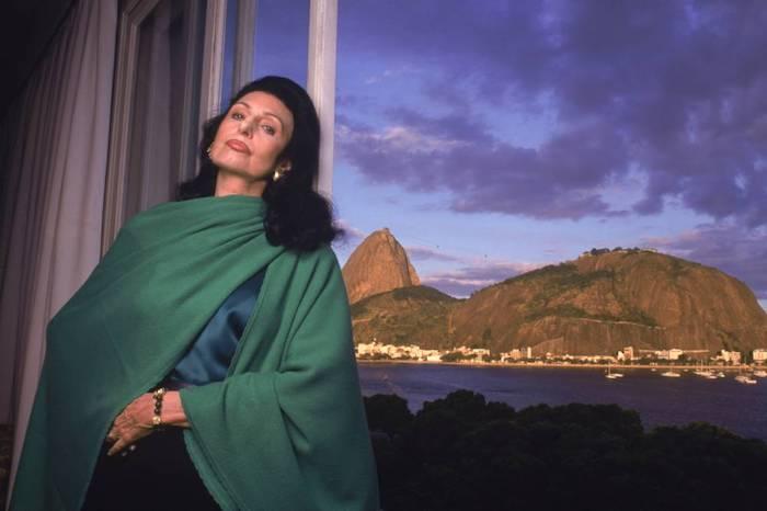 Carmen Mayrink Veiga, ícone da elegância, morre no Rio