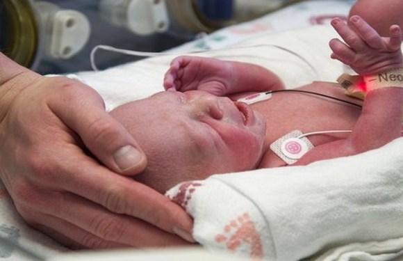 Mulher com útero transplantado tem bebê saudável nos Estados Unidos