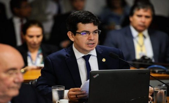 Randolfe Rodrigues diz que denunciará Marun no STF por ameaçar Barroso