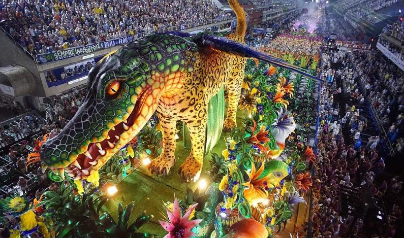Cai venda de ingressos do carnaval carioca para estrangeiros