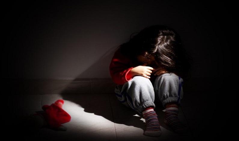 Homem é preso acusado de estuprar a filha cega de 7 anos