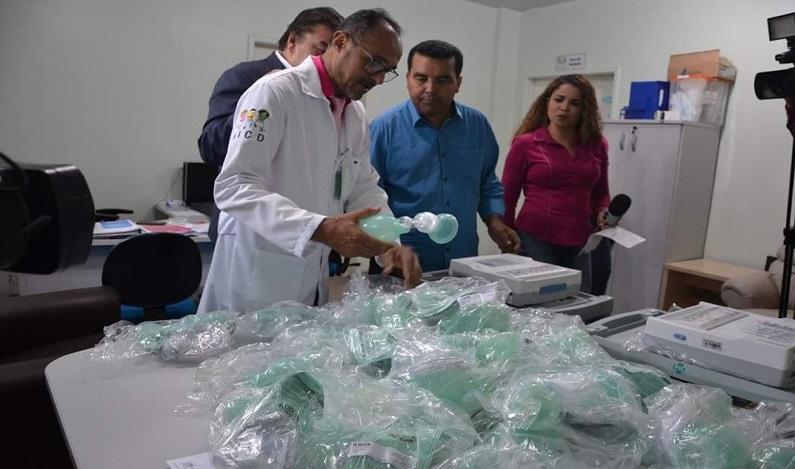 Garçon faz entrega de equipamentos ao Hospital Infantil Cosme e Damião