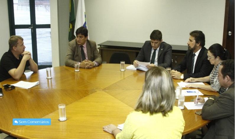Deputada Marinha pede ao IBAMA a liberação de madeira retida em Manaus para exportação
