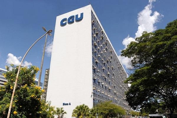 Ex-ministro da CGU assume Comissão de Ética da Presidência