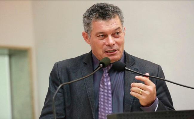 Deputado Edson Martins pede Operação Documento em distritos