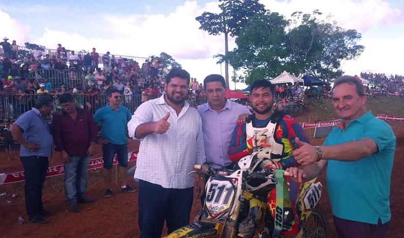 Jean Oliveira prestigia Campeonato de Motocross em Rolim de Moura