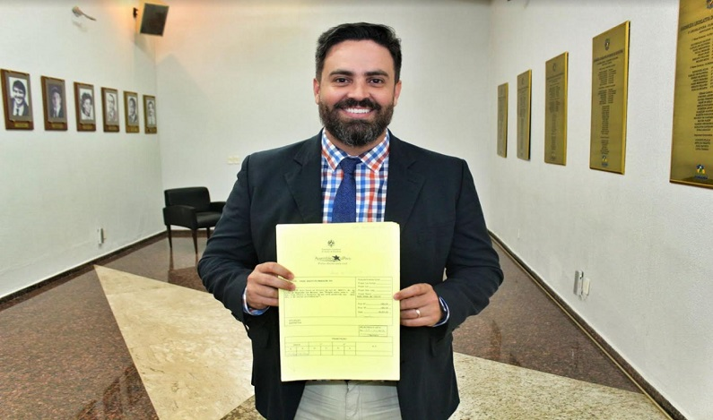Sancionada lei de autoria de Léo Moraes que isenta pagamento de inscrições de concursos para doadores de medula óssea