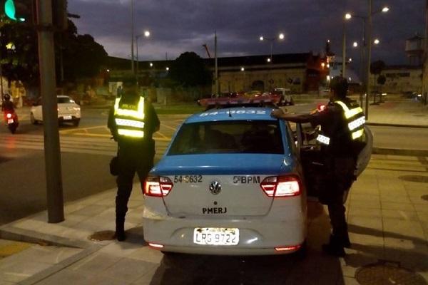 Operação policial apreende 1,5 tonelada de cocaína no RJ