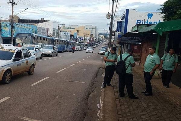 Funcionários do transporte público entram em greve em Porto Velho