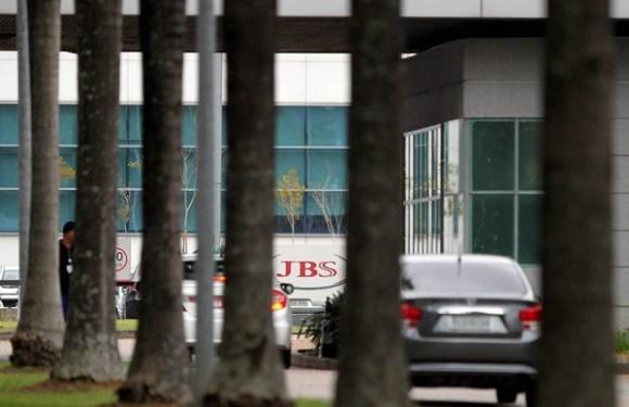 Justiça sequestra 25 milhões de ações da JBS em troca de seguro-garantia