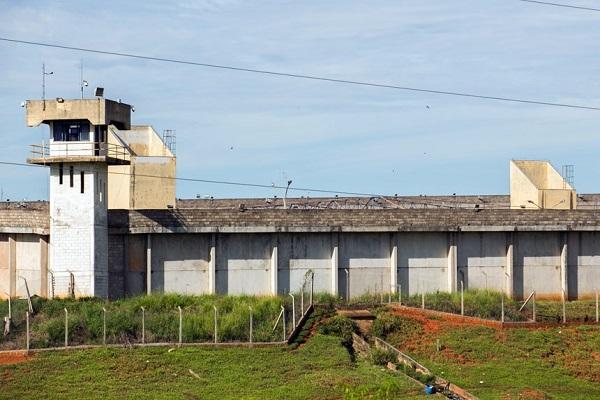 Recursos de Fundo Penitenciário poderão financiar bloqueadores de celulares