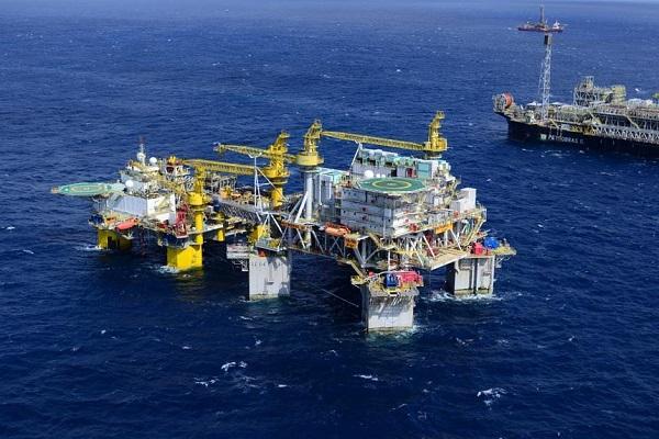 Comissão debate MP que autoriza venda direta de petróleo da União