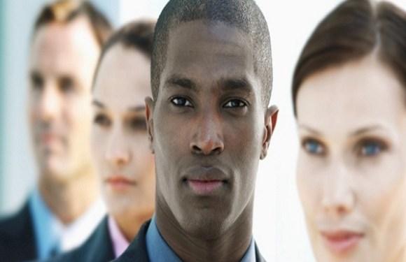 Avança projeto que pune discriminação salarial por sexo ou etnia