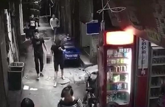 Homem é preso após decapitar esposa e sair na rua com a cabeça nas mãos