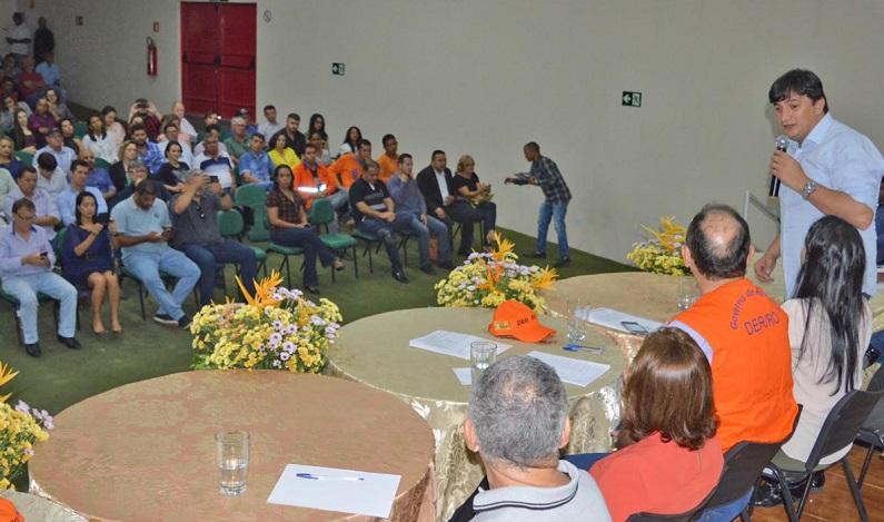 Apoio de Cleiton Roque é destacado durante assinatura de ordem de serviço