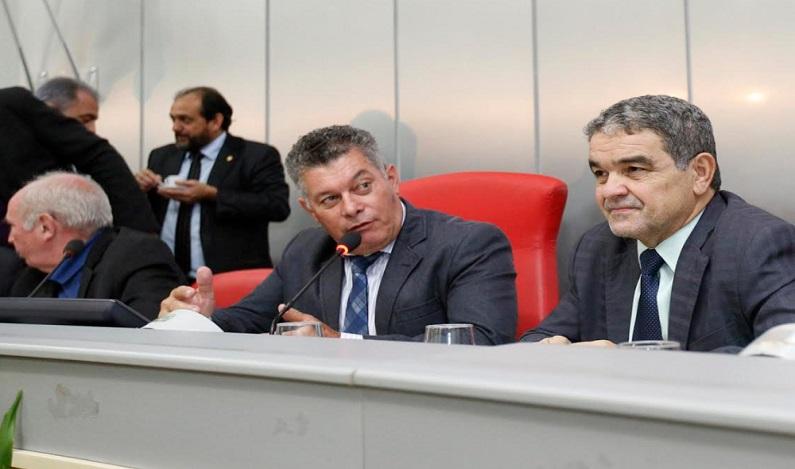 Edson Martins comemora aprovação do plano de carreira e cargos dos servidores do DER