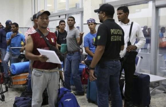 Venezuelanos começam a deixar Roraima e são abrigados em SP e MT