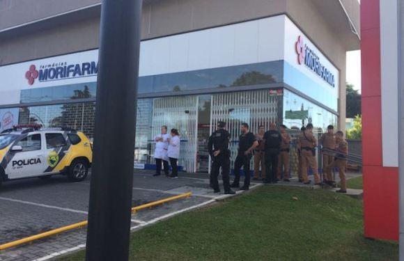 Agente penitenciário reage a assalto contra farmácia e acaba baleado em Curitiba