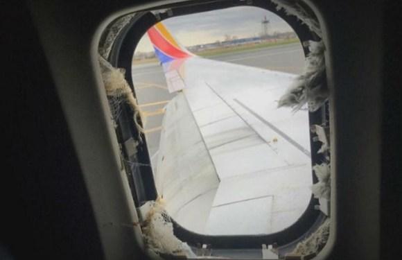 """Passageira morre nos EUA após quase ser """"sugada"""" em avião"""