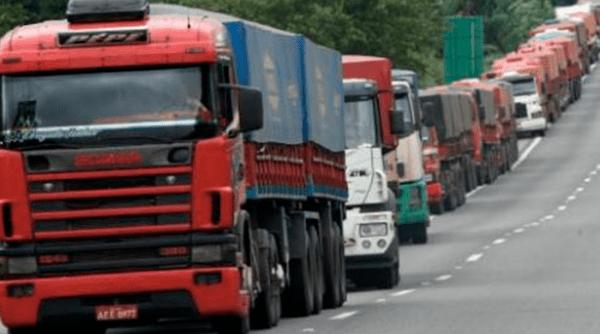 Após 2 horas, termina reunião do governo sobre greve de caminhoneiros