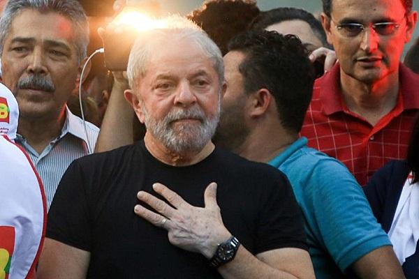 PT marca ato contra prisão de Lula na data do centenário de Mandela
