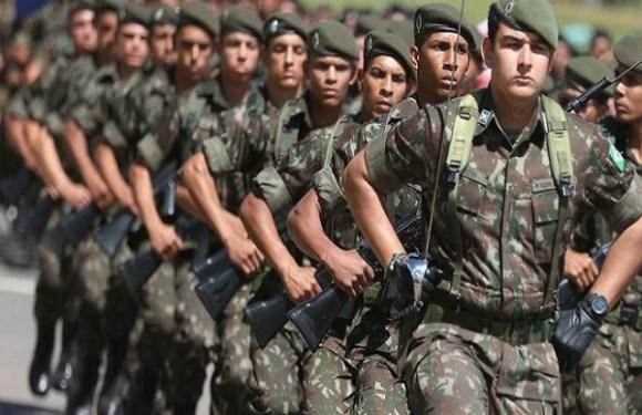 A Constituição prevê a possibilidade de uma intervenção militar?