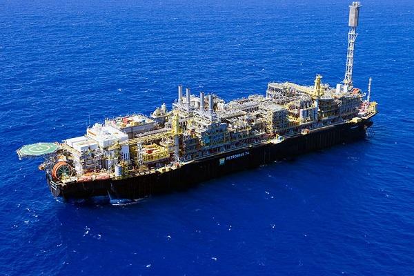 Lei permite venda direta de petróleo do pré-sal