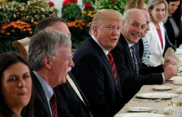 Autoridades dos EUA e da Coreia do Norte debatem diferenças antes de cúpula; Trump se diz otimista