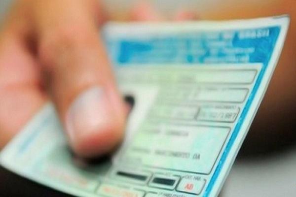 Vida de luxo e ostentação nas redes sociais gera apreensão de documentos de devedor