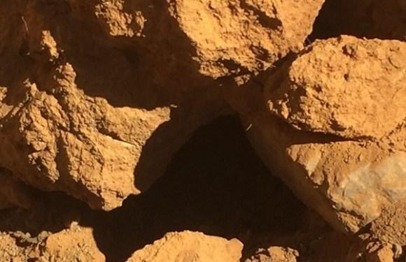 Mãe e filho morrem em desabamento de mina no interior de MG