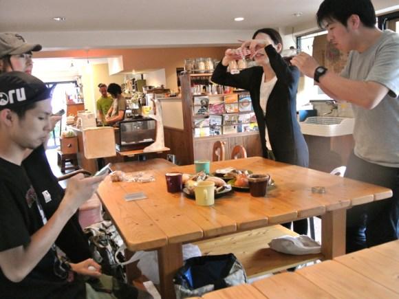 カフェパランでパンライド最後の晩餐を記念撮影
