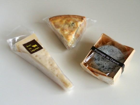 湖華舞(古株牧場)のレギュムなどのチーズ