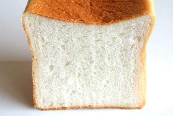 神戸ブーランジェリー・レコルトの角食パン「ゆたかなみのり」
