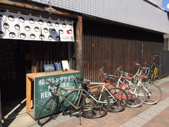 トーキョーバイクを貸し出している博多呉服町ホステル高谷家 (福岡レンタサイクル)