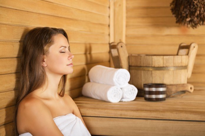 Sauna help with chronic pain