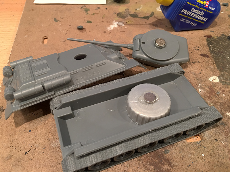 Magnetising the turret in the T-34/85