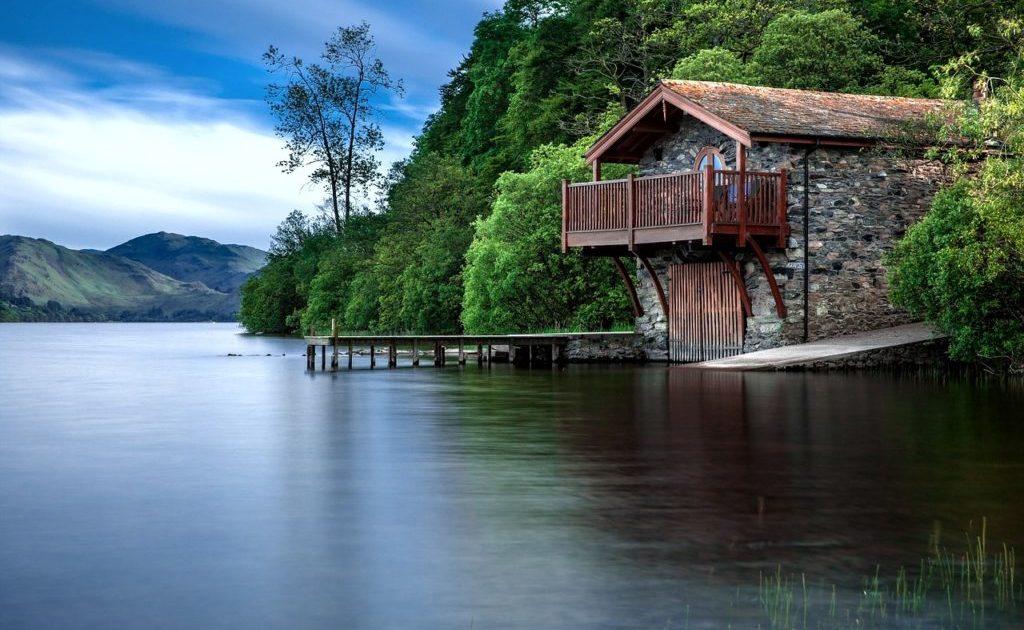 تعليم رسم المناظر الطبيعية بالالوان الخشبية