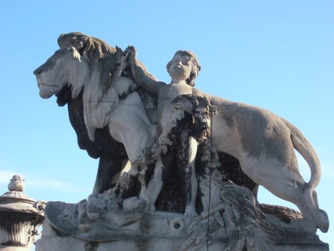 paris-pont-alexandre-iii_13889456229_18f001e357_b