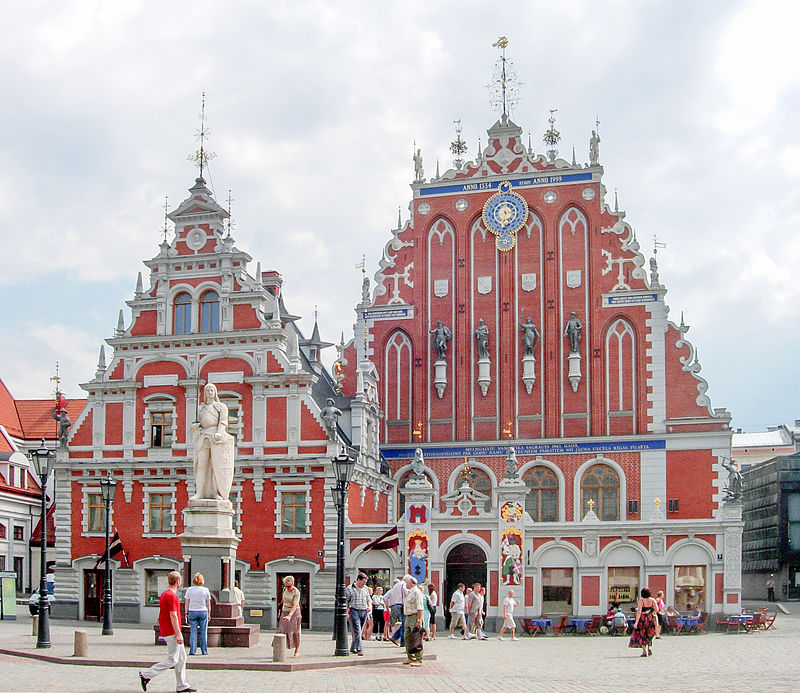 800px-old_riga_buildings