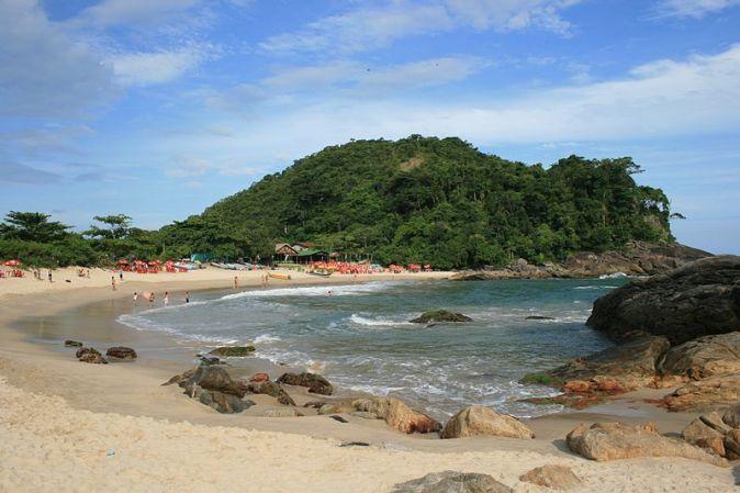 800px-Brazil_Trindade_Beach