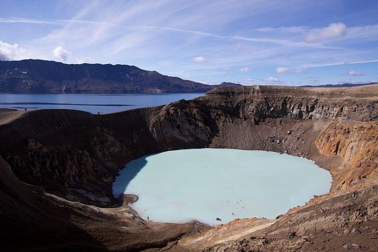 800px-Viti_geothermal_lake_at_Askja