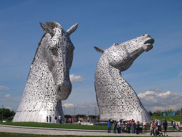 The_Kelpies,_at_The_Helix,_Scotland