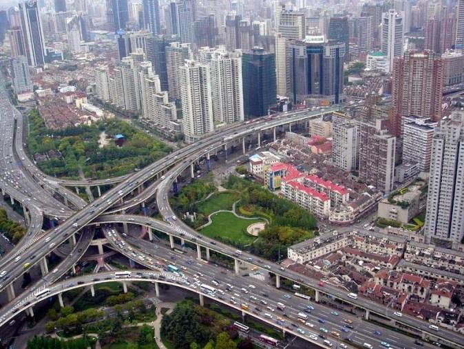 Viaduct_in_Puxi,_Shanghai