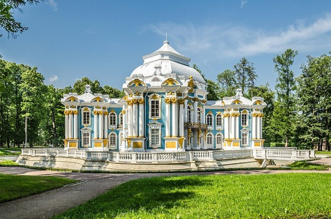 800px-Hermitage_pavilion_in_Tsarskoe_Selo_01