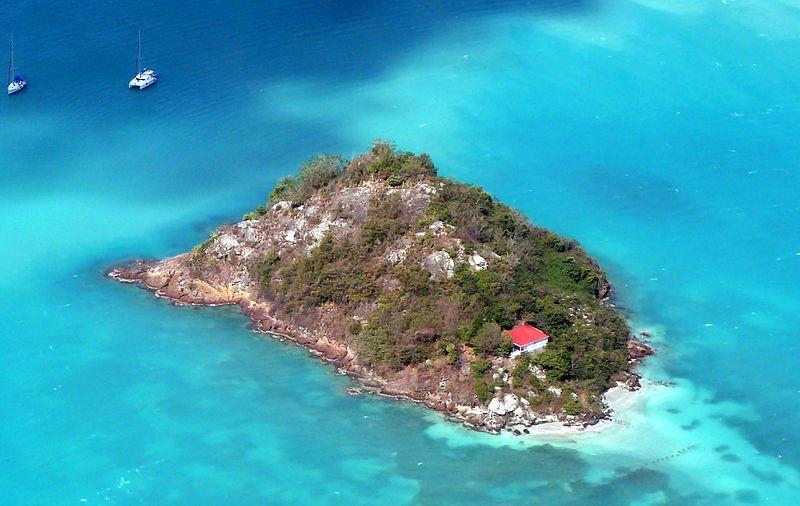Antigua_-_Small_Island_in_the_Hansons_Bay_-_panoramio