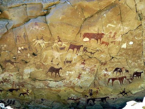 Prehistoric_Rock_Paintings_at_Manda_Guéli_Cave_in_the_Ennedi_Mountains_-_northeastern_Chad_2015
